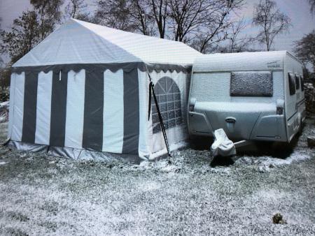 wintercamping-vorzelt